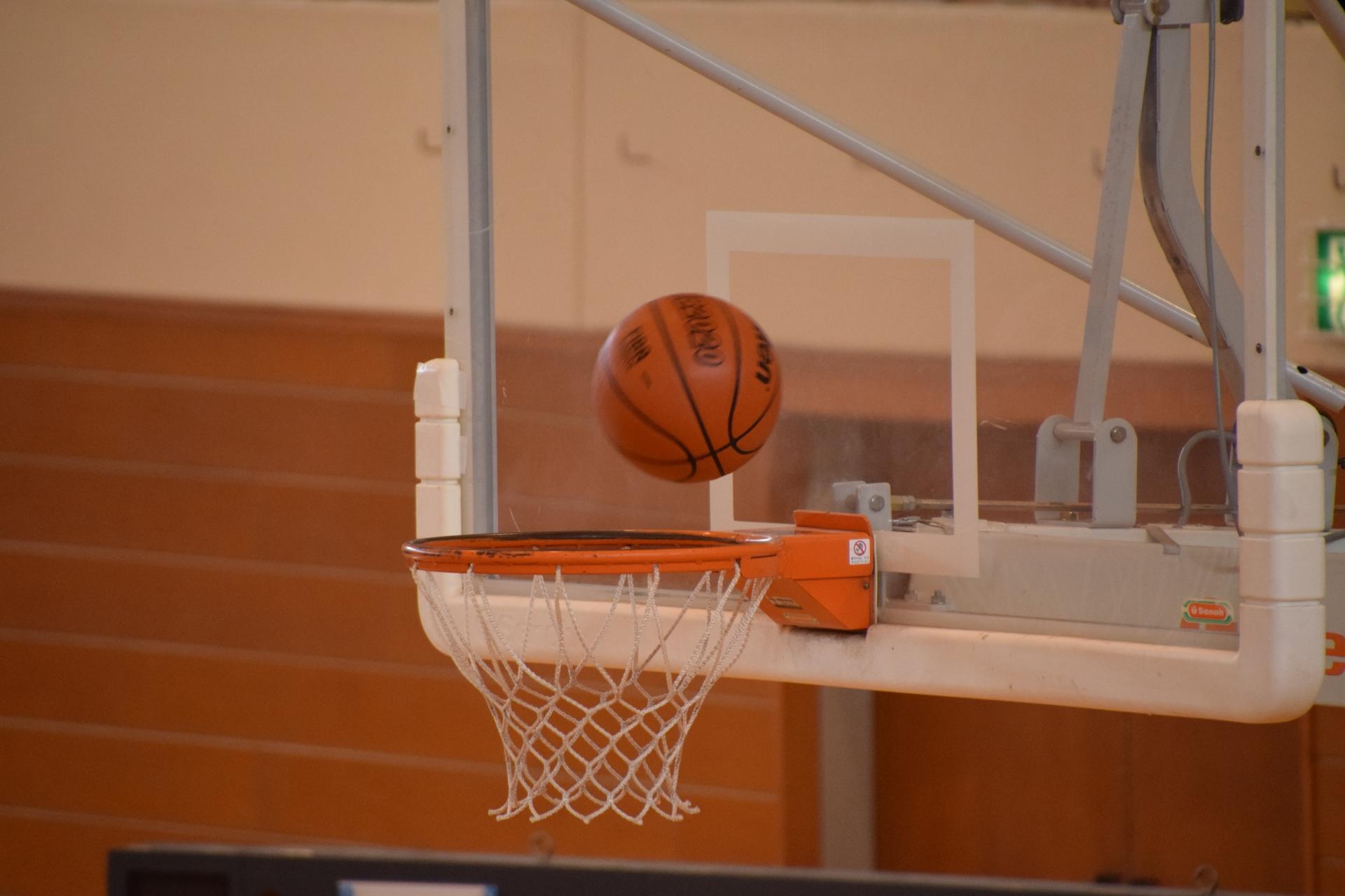 プロバスケットチームのトライフープ岡山を運営する【株式会社TRYHOOP】さんにプレミアム解離水を差し入れさせて頂きました!